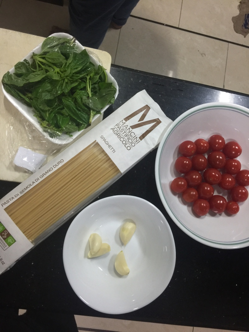 Sunday Mood: Cherry Tomato & BasilPasta